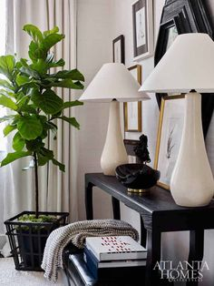 Southeastern Designer Showhouse for Atlanta Homes and Lifestyles // Lounge by Lisa Palmer of SummerHouse
