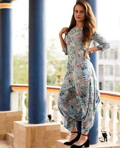 Dress Indian Style, Indian Fashion Dresses, Indian Designer Outfits, Indian Outfits, Designer Dresses, Fashion Outfits, Punjabi Fashion, Stylish Dresses For Girls, Stylish Dress Designs