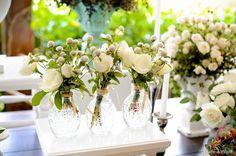 Como fazer enfeites de ano novo? Veja 8 ideias inspiradoras Dream Wedding, Wedding Day, Table Decorations, Flowers, Home Decor, White Flowers, Flower Arrangements, Floral Arrangements, Quinceanera