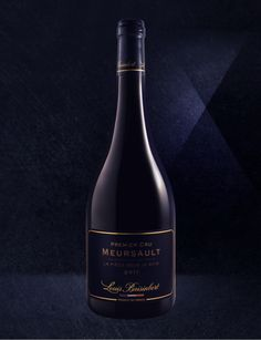- Limited edition of 600 bottles -  This mythical, world-renowned Burgundian wine-making region lies in the heart of the Côte de Beaune lie. Louis Baisinbert brings you its signature wine, the Meursault 1er cru ''La pièce sous le bois''.