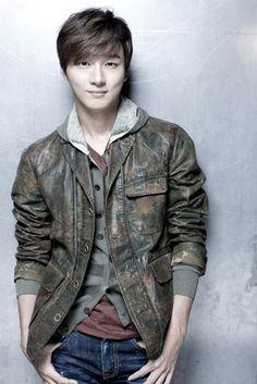 Yoon Shi Yoon --- Japanese Official