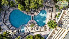 De ce iubim vacanțele #AllInclusive? 🤩 Pentru confortul oferit și pentru mai multă relaxare în timpul sejurului ❤ #HotelVizitat HVD BOR 4* 🕌 din #SunnyBeach, #Bulgaria se află în centrul stațiunii, la 150m de plajă 🏖 și oferă facilități de distracție și recreere pentru adulți și copii 👨👩👧👦 Dispune de loc de joacă și echipă de animație 🎉, restaurant 🥗 și camere spațioase, cu balcon 🌞 Rezervă din timp o #VacanțăAllInclusive… Kusadasi, Dubrovnik, Beach Club, Antalya, Tenerife, Cancun, Bulgaria, Restaurant Bar, Spa