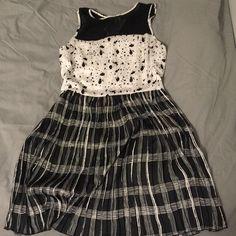 BCBG Maxazria dress BCBG Maxazria dress, size L, never worn BCBGMaxAzria Dresses Midi