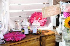 Candy Bar Hochzeit | perfekte Süßigkeiten Buffet |Tipps, Tricks und Infos, rund um das Thema Candy Bar | eine Candybar günstig selber machen oder mieten.
