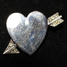 Vintage Heart Arrow Love Valentine Rhinestone Silver Tone Pin Brooch Estate P183