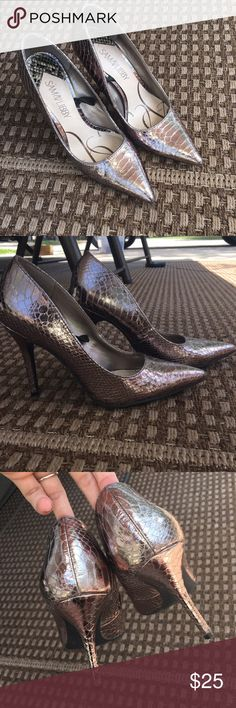 Metallic, Reptile, Sam & Libby Heels Worn a few times, in excellent condition. Love these shoes!! They are perfect if you want to make a statement! Heels are about 3 inches tall. Sam & Libby Shoes Heels