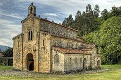 San Salvador, Romanesque Art, Asturias Spain, Abandoned Churches, World Photo, Spain And Portugal, Facade House, Kirchen, Art And Architecture