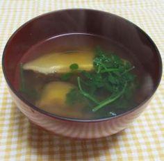 「干椎茸で、お上品な御吸い物」干し椎茸の、戻し汁は、甘みが有り、簡単に「お上品な味」な、御吸い物が出来ます。【楽天レシピ】