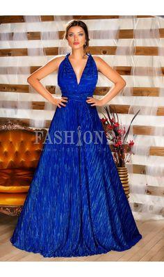 Rochie Versatila Like Blue -  O rochie fabuloasa de seara intr-o nuanta delicata de albastru, va arata spectaculos pe tine purtata cu ocazia unui bal, a unei nunti sau a unui eveniment de tip red carpet. De ce sa nu iesi in evidenta la fel ca un star de cinema, daca datorita acestei rochii de seara poti fura inima oricui si toa