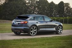 Opel reportedly plans to add an Insignia-based flagship SUV into its lineup, to replace the defunct Antara. Citroen Ds5, Chevy Avalanche, Classic Cars, How To Plan, News, Lineup, Vehicle, Photoshop, Concept