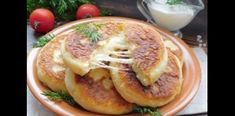 Τηγανίτες πατάτας με κίτρινο τυρί…μια κόλαση λιχουδιάς! Pancakes, Breakfast, Food, Morning Coffee, Essen, Pancake, Meals, Yemek, Eten