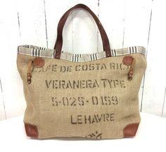 Grand sac cabas toile de jute recyclée tissu écossais noir et beige : Sacs à main par l-atelier-de-kadistu Burlap Coffee Bags, Coffee Sacks, Burlap Bags, Jute Bags, Sack Bag, Linen Bag, Fabric Bags, Tote Purse, Bag Making