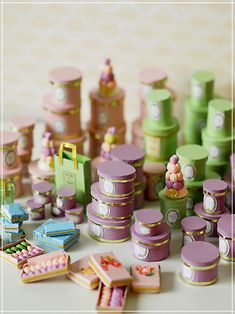 inspiration: miniature Laduree boxes