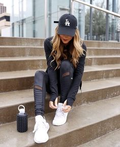146 cute sporty outfits ideas try this fall – page 1 Cute Sporty Outfits, Casual Summer Outfits For Women, Winter Outfits, Casual Outfits, Cap Outfits For Women, Casual Fall, Sporty Teen, Woman Outfits, Pastel Outfit