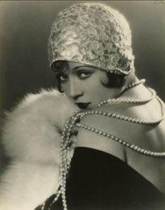 Sally O'Neil, 1920s