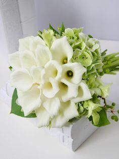 kukkaのウエディングフラワーブック-カラー,クラッチブーケ,あじさい,白,緑