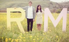The rustic wedding ceremony trend is always looking strong, so every single day I recognize bigger unique projects and inspiration floating around the world. Engagement Pictures, Engagement Shoots, Engagement Photography, Wedding Engagement, Wedding Photography, Photography Ideas, Wedding Pics, Wedding Trends, Wedding Blog