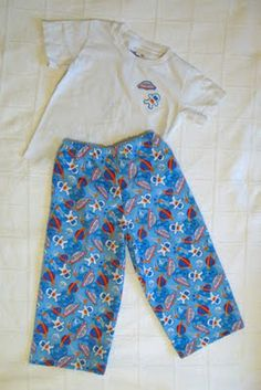 easiest pajama pant tutorial that i've seen. made some for sophie... they are quick!