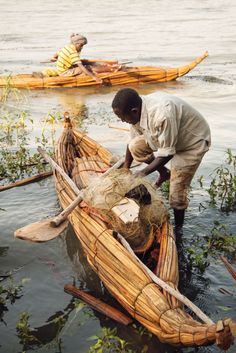 PAPYRUS AND LAKE TANA The peaceful boatmen of Ethiopia's largest lake reflect a grand and ancient past. Story and photos by Ron Londen
