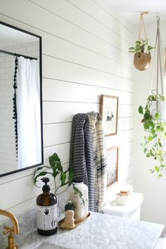 Love the look of shiplap? I'm sharing the BEST shiplap material for bathrooms: AZEK DIY Details #shiplap #farmhousestyle #bathroomideas #nestingwithgrace