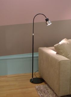 Kimada floor lamp black glossy lacquered - Showroom in Paris