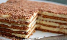 Osvojiće vas aroma kafe i hrskava tekstura ove jednostavne torte. Food Cakes, Cupcake Cakes, No Cook Desserts, Delicious Desserts, Yummy Food, Sweet Recipes, Cake Recipes, Dessert Recipes, Jednostavne Torte