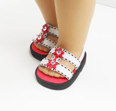 Another way of using ribbon and foam to make doll sandals