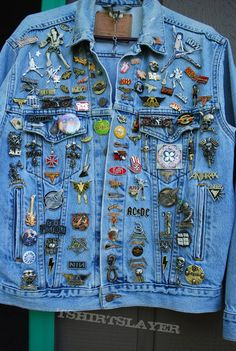 Pins On Denim Jacket, Jean Jacket Outfits, Denim Jacket Patches, Patched Jeans, Denim Jacket Men, Patch Jean Jacket, Jean Jackets With Patches, Customised Denim Jacket, Custom Denim Jackets