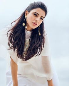 Samantha looks superb stunning in all white as she promotes Samantha Images, Samantha Ruth, Beautiful Bollywood Actress, Most Beautiful Indian Actress, Indian Photoshoot, Babe, Peinados Pin Up, Sr1, Girl Photography Poses