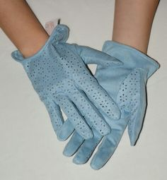 Soft blue women gloves. Suade leather.
