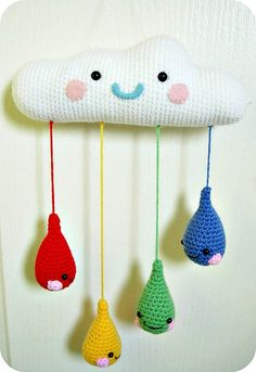 Para la cuna del bebe Crochet Baby Mobiles, Crochet Bunting, Crochet Mobile, Crochet Quilt, Crochet Toys, Knit Crochet, Yarn Crafts, Fabric Crafts, Sewing Crafts
