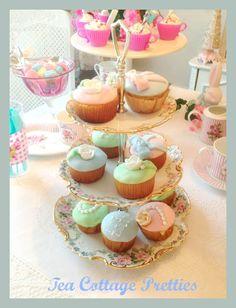 Tea Cottage Pretties:Fondant Cupcakes