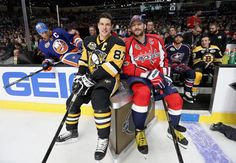 Sidney Crosby and Alex Ovechkin Hot Hockey Players, Hockey Teams, Ice Hockey, Hockey Stuff, Alexander Ovechkin, Hockey Decor, Alex Ovechkin, Lets Go Pens, Wayne Gretzky