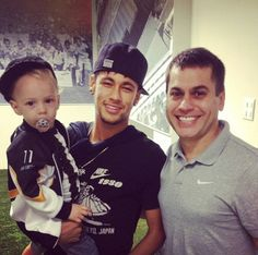 Neymar and his son Daddy And Son, Father And Son, Neymar Son, Brazilian Soccer Players, Soccer Kits, Best Player, Football Players, Fifa, Pretty People