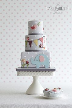 monthly baby cakes inspo The Cake Parlour designs and creates beautiful celebration cakes for birthdays, christenings and other special occasions. Gateau Baby Shower, Baby Shower Cakes, Beautiful Cakes, Amazing Cakes, Fondant Cakes, Cupcake Cakes, 1st Birthday Cakes, Novelty Cakes, Baby Cakes