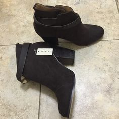 Forever 21 Faux Suede brown booties Size 9. Fits true to size. Does not come with box. Never worn. Still has tags attached. Perfect for this bipolar weather currently in New York lol Forever 21 Shoes