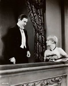 - Here's Bela Lugosi and Frances Dade in a scene from Universal's 1931 horror classic, Dracula. Sci Fi Horror, Horror Films, Horror Art, Old Hollywood Glamour, Classic Hollywood, Vintage Hollywood, Dracula Film, Count Dracula, Hollywood Monsters