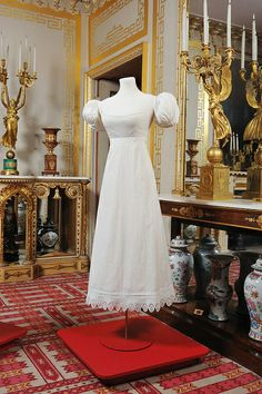 Cream linen gown with Broderie anglaise, c. 1820-1825. Royal Pavilion & Museums, Brighton & Hove.