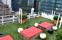 SYNLawn's artificial turf installers create stunning recreational spaces for rooftops, decks & patios across San Diego County, including La Jolla/Del Mar.