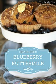 Tasty Grain-Free Blueberry Buttermilk Muffins with Streusel Topping Primal Recipes, Real Food Recipes, Snack Recipes, Free Recipes, Delicious Recipes, Snacks, Streusel Topping For Muffins, Buttermilk Muffins, Food Plus