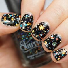 Expand style to your nails with the help of nail art designs. Worn by fashionable personalities, these kinds of nail designs can incorporate instantaneous style to your apparel. Perfect Nails, Gorgeous Nails, Pretty Nails, Nail Art Designs, Nail Design, Nail Polish Dry Faster, Gel Polish, Starrily Nail Polish, Planet Nails