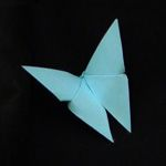Learn to make beautiful origami butterfly from a variety of diagrams and instructions. Choose from easy DIY models and more complex winged insects. Diy Origami, Origami Cup, Money Origami, Fabric Origami, Origami Butterfly, Paper Crafts For Kids, Diy Paper, Paper Art, Easy Paper Flowers