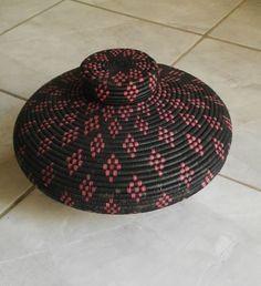 Zulu baskets to show at 2015 Santa Fe Folk Art Festival #zulubasket #craft #follow #love #support #believe #art #africa #africanwomen #zulu #home #homedecor #africanart #masterpiece #beauty #handwork #worldclassart #patterns #nature #organic #arts #authentic