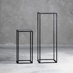 Inreda heminredning och du tittar på Bord Blompiedestal set om 2 metall svarta m glas från Tine K Home - Inreda.com (c35017)