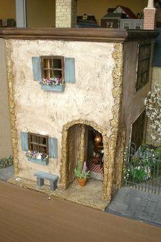 Connie Sauve - Miniature Show Photos (jt- sorry, no info or credit for this quaint little house