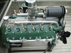 Lincoln Zephyr V12 flathead Truck Engine, Hemi Engine, Lincoln Zephyr, Old Trucks, Dodge Trucks, Aircraft Engine, Performance Engines, Motor Engine, Race Engines