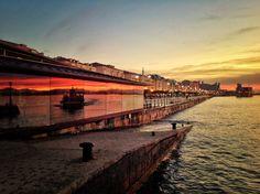 La bahía se tiñe de amanecer. #Santander #Cantabria #Spain ✿Teresa Restegui http://www.pinterest.com/teretegui/✿
