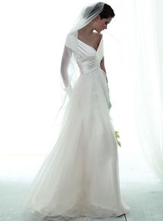 You have to be one of a kind to pull this elegant wedding dress off