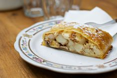 Things to do in Prague: Eating Prague Food Tour - Apple Strudel at Gallery Le Court