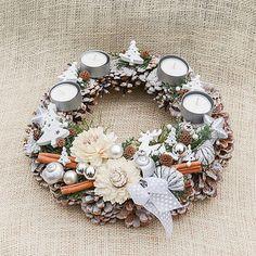 Hydrangea / Adventný veniec zo šišiek Hydrangea, Christmas Wreaths, Holiday Decor, Home Decor, Decoration Home, Room Decor, Hydrangeas, Home Interior Design, Hydrangea Macrophylla